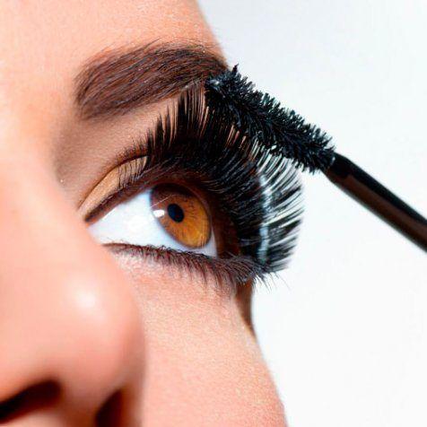 Maquillaje y Mascara de Pestañas Moure (3)